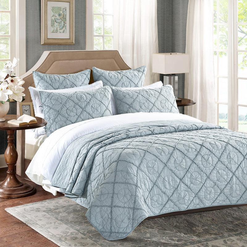Country Idyl Luxury Fog Quilt - Calla Angel  - 2