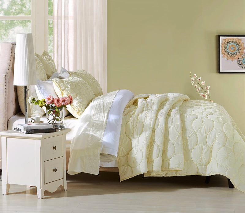 Dream Waltz Luxury Ivory Quilt - Calla Angel  - 3