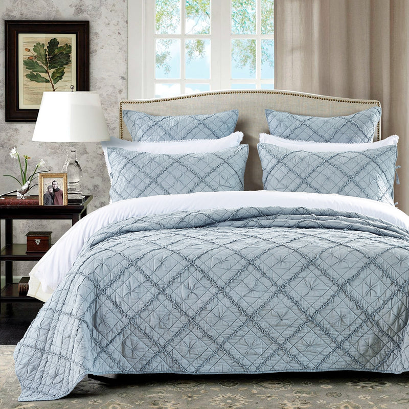 Diamond Applique Luxury Fog Quilt - Calla Angel  - 1
