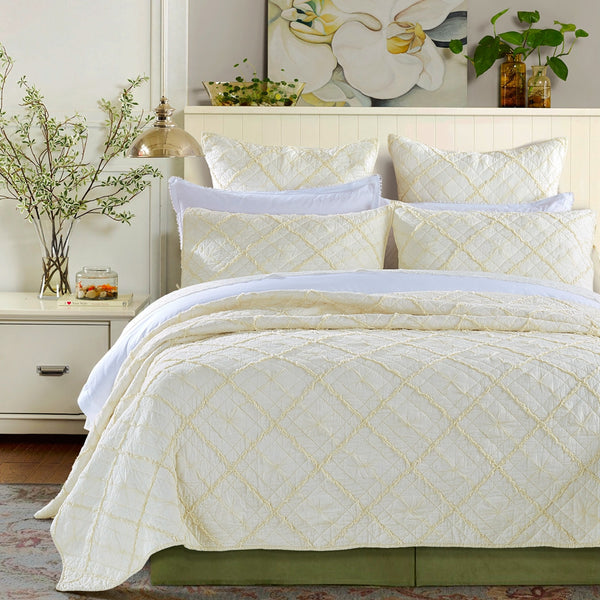 Diamond Applique Luxury Ivory Quilt - Calla Angel  - 1