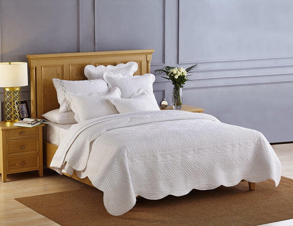 Sage Garden Luxury Pure Cotton White Quilt