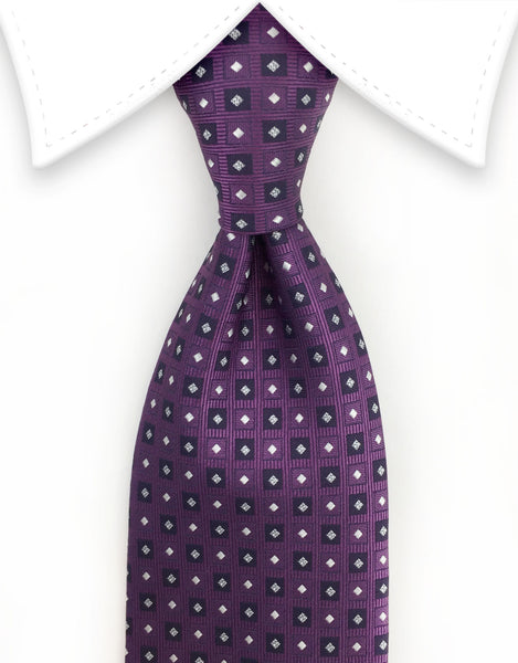Grape purple tie with motif
