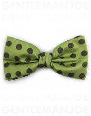 Green Polka Dot Bow Tie