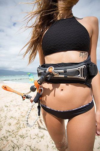 How to put your Cabrinha Fireball Spreader bar on to your DaKine Harness.