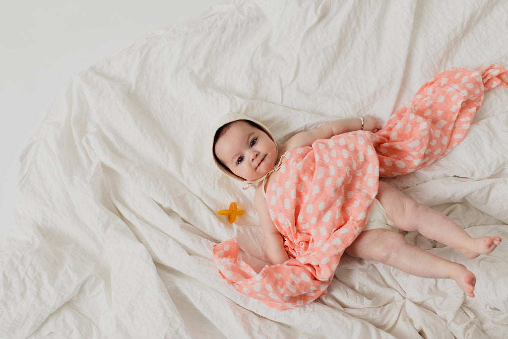 SPOTTED BLUSH SWADDLE - Tnee's