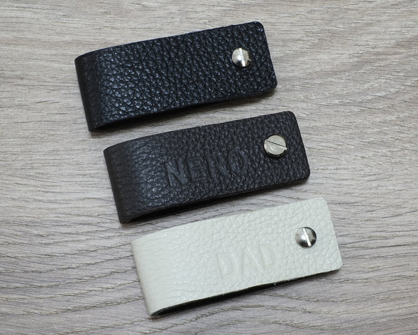 Leather Keychain Reversible Colors - Personalized with your name or initials - Men's Leather Keychain, Groomsmen Gift, Mens Keychain, Gifts for Men - NERO Minimalist Wallet