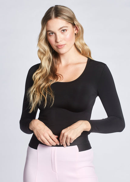 Ellie pullover black front view.