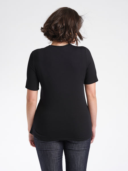 Emeline T-Shirt black back relaxed fit crew neck.
