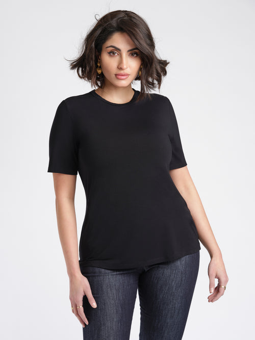 Emeline T-Shirt Black Front view relaxed fit crew neck.