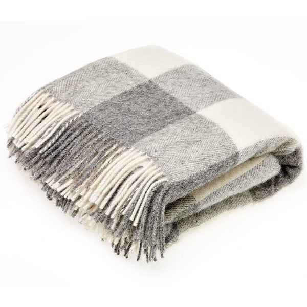Bronte Throw Checkaboard Grey Natural Collection