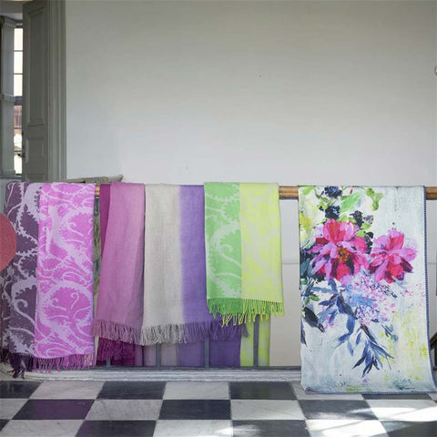 Designers Guild Throw Aubriet Fuchsia