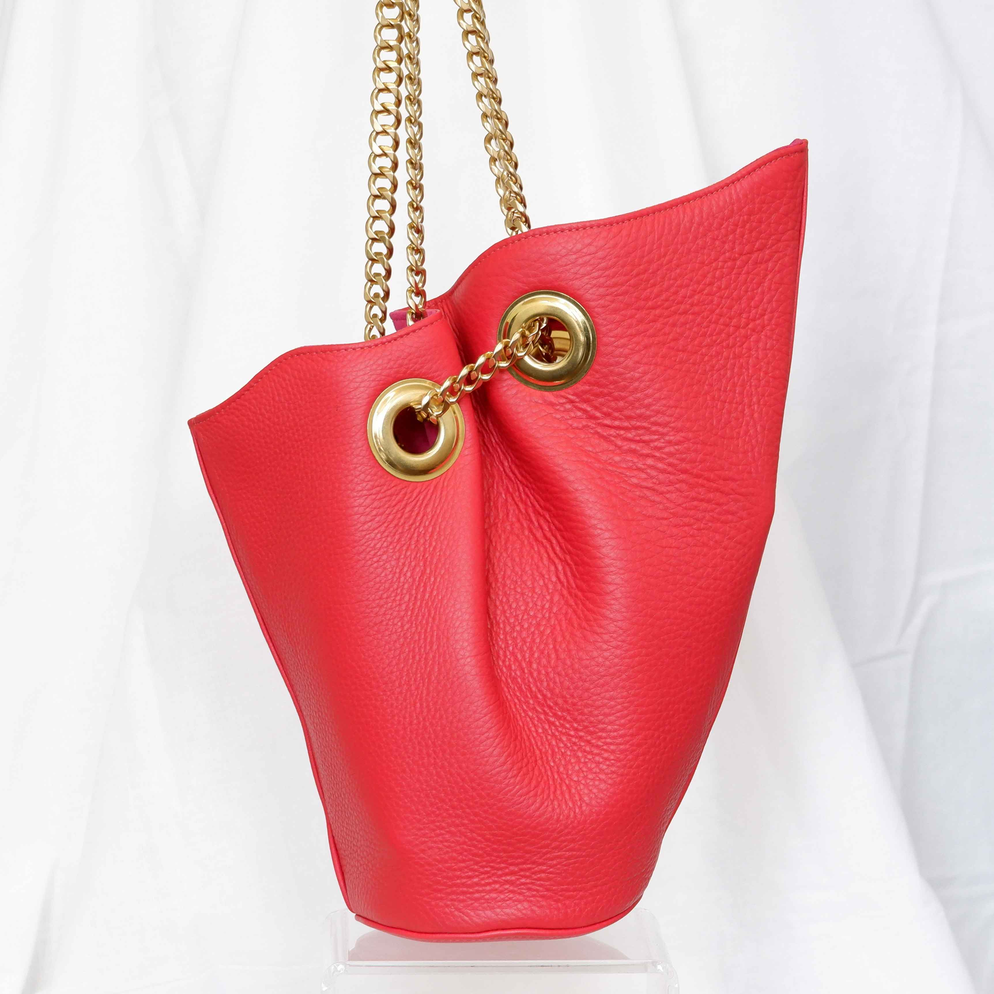 Small Susan Bucket Bag in Lipstick Red