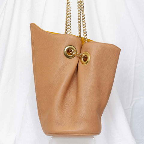 Susan Bucket Bag in Luggage, Large