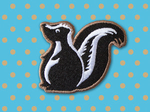 Skunk embroidered patch - iron on patch