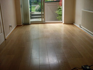 laminate floor before floor cleaning