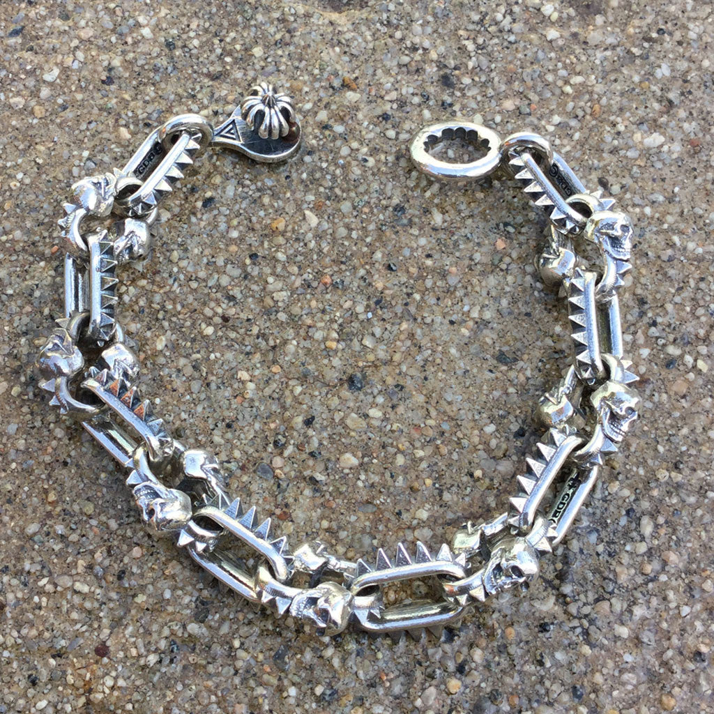 Spikes or Skulls Bracelet With Puzzle Clasp - Small Links