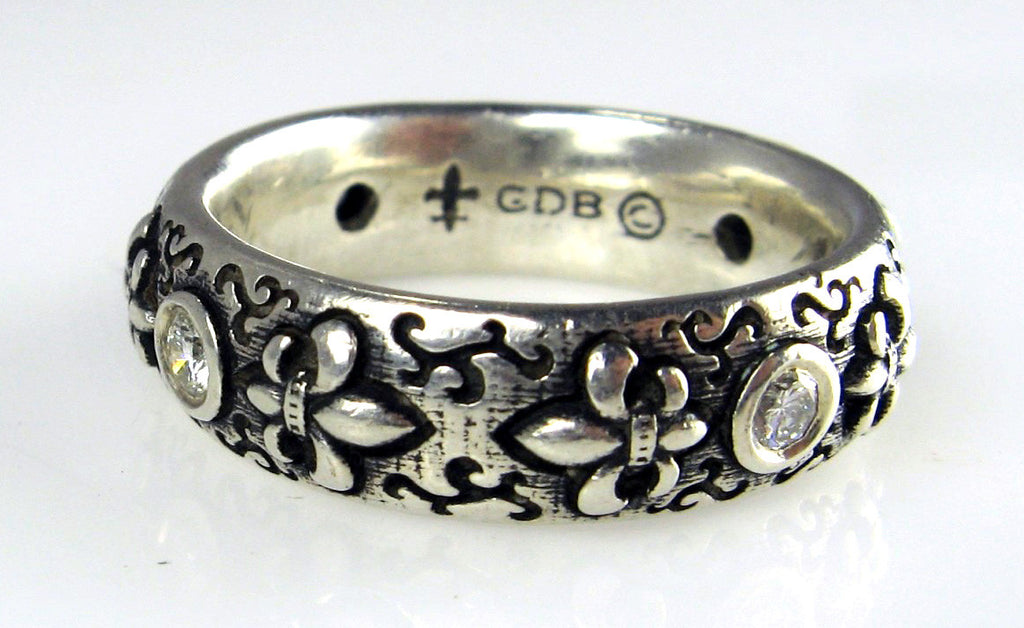 Sterling Silver Fleur-de-Lis Ring with White Diamonds