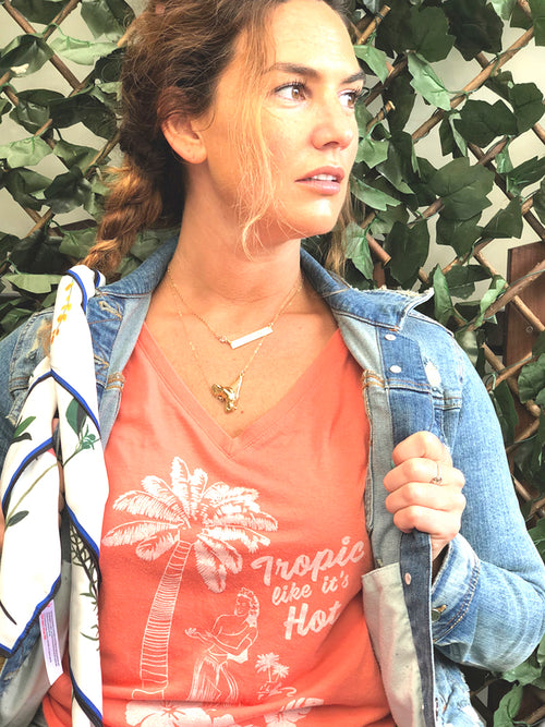 TROPIC LIKE IT'S HOT CORAL V-NECK FLOWY T-SHIRT