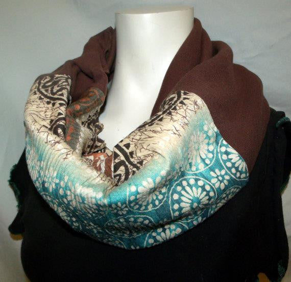 Ornate Chevron Green/Rust Eternity Scarf