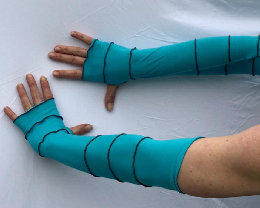 Scuba Blue with Grey Arm Warmers