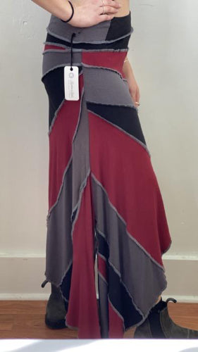 Sunburst Skirt Black/Grey/Ruby ~ S/M ~ READY TO SHIP