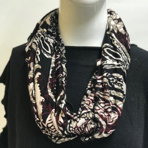 Henna Paisley in Red Eternity Scarf