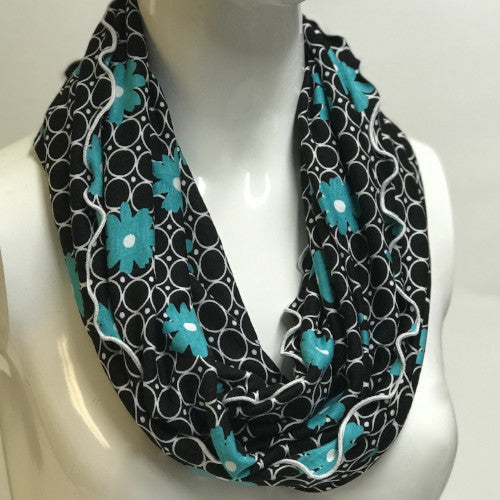Retro Blue Daisy Eternity Scarf