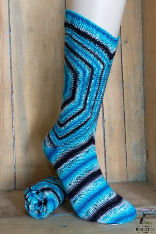 Knitting kit Bullseye Socks (Frederic hand-dyed yarn & Bullseye Socks pattern)