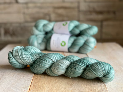 Bis-sock yarn Aigue Marine hand-dyed yarn | 100g or 50g mini skein size