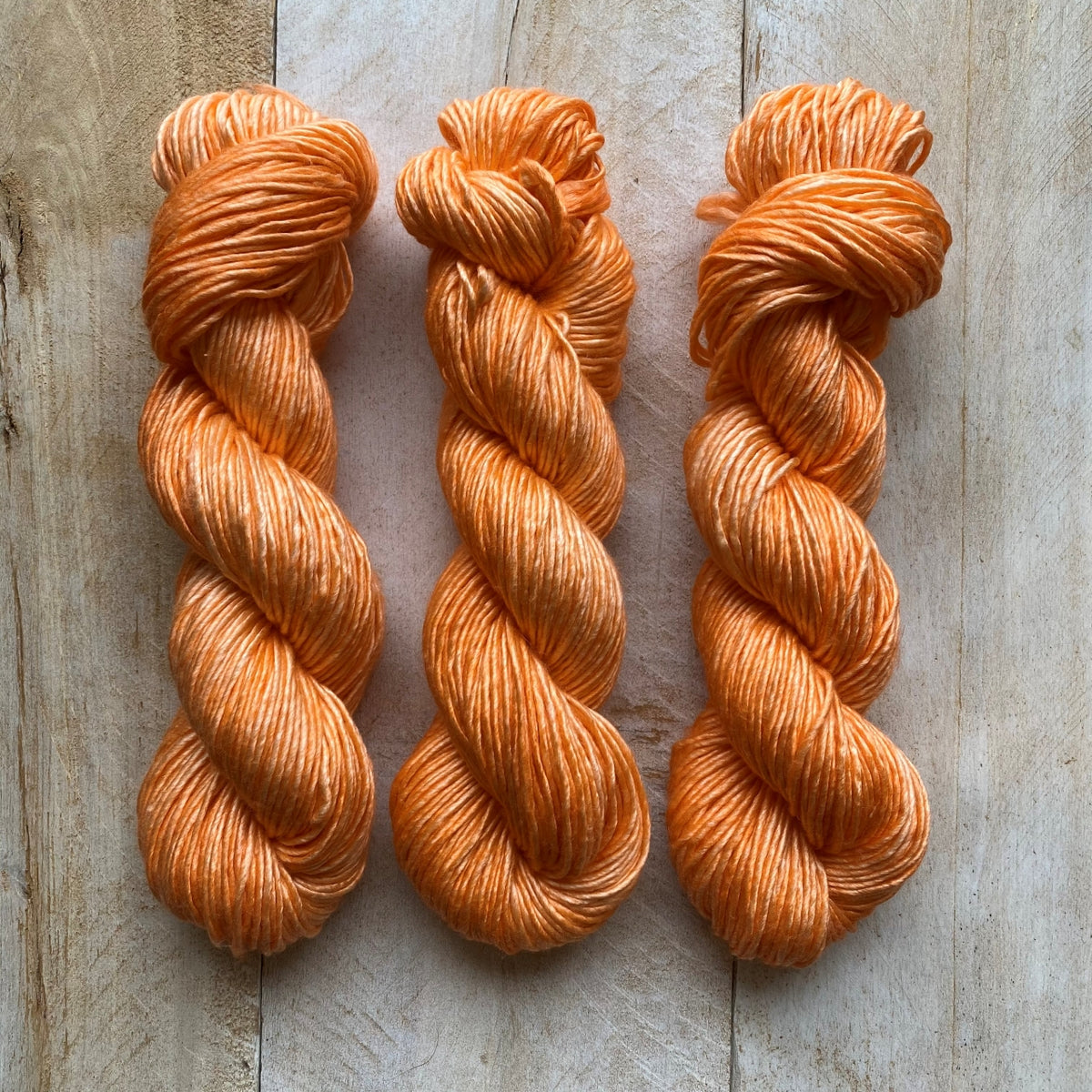 Albus - Merino and Silk yarn CANTALOUP