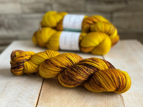 ANDREA by Louise Robert Design | SUPER SOCK hand-dyed speckled yarn