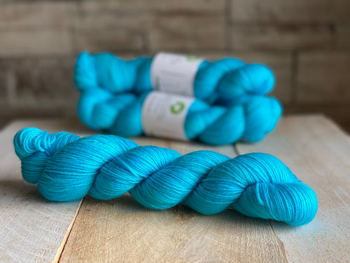 Bis-sock yarn Aqua hand-dyed yarn | 100g or 50g mini skein size