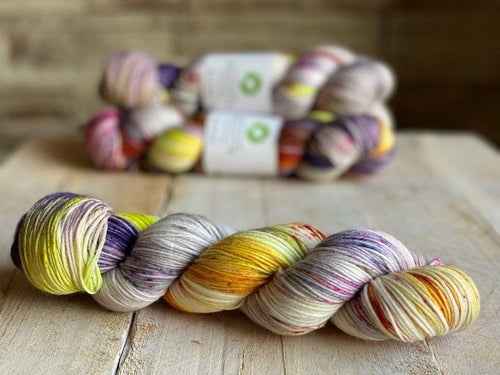 Bis-Sock ACONITE | hand-dyed Speckled sock yarn | 100g (2x50g) / 50g (mini skein)