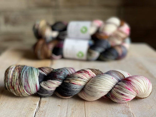 Bis-Sock CASSE NOISETTE | hand-dyed Speckled sock yarn | 100g (2x50g) / 50g (mini skein)