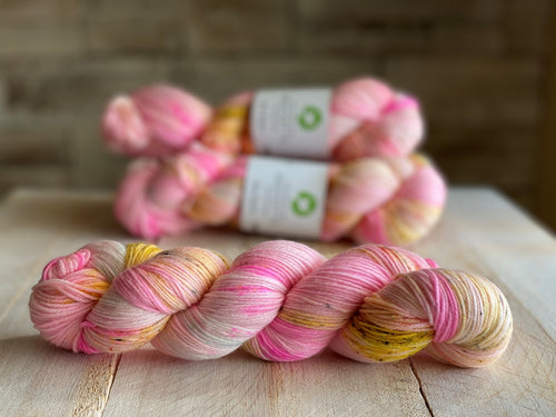 Bis-sock yarn Sakura speckled hand-dyed yarn | 100g(2x50g) or 50g mini skein size