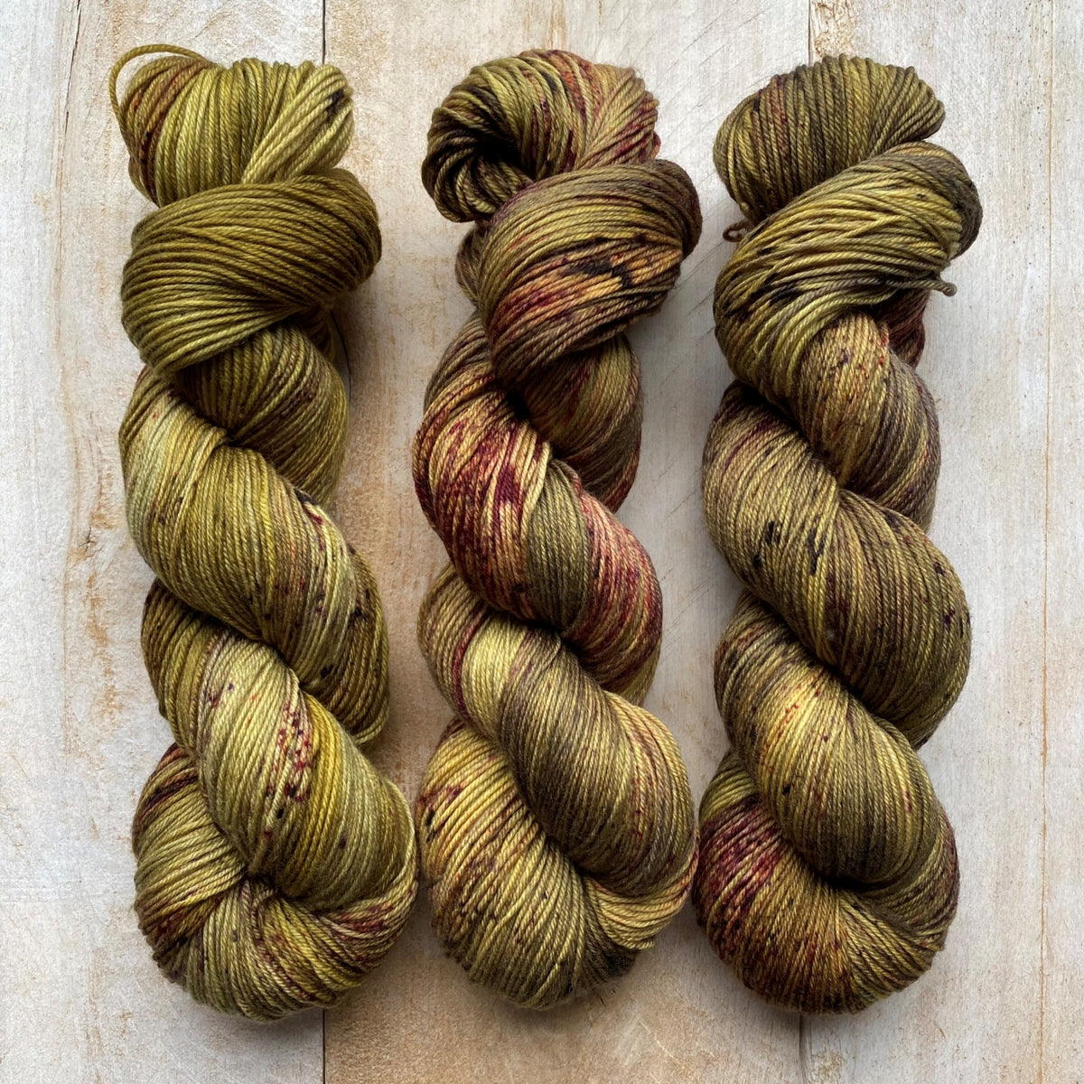 Bis-Sock OLIVINE | hand-dyed Speckled sock yarn | 100g (2x50g) / 50g (mini skein)