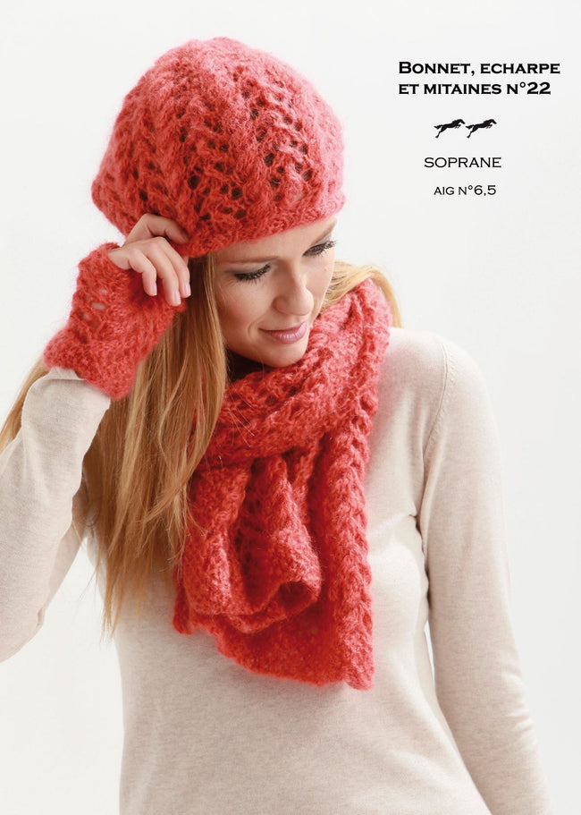 Free Cheval Blanc pattern - Hat / Scarf / Mittens cat.21-22