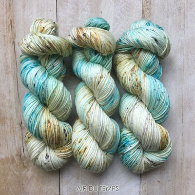 AIR DU TEMPS by Louise Robert Design | DK PURE hand-dyed speckled yarn
