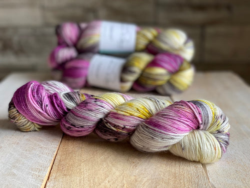 DANCING QUEEN by Louise Robert Design | SUPER SOCK hand-dyed semi-solid yarn
