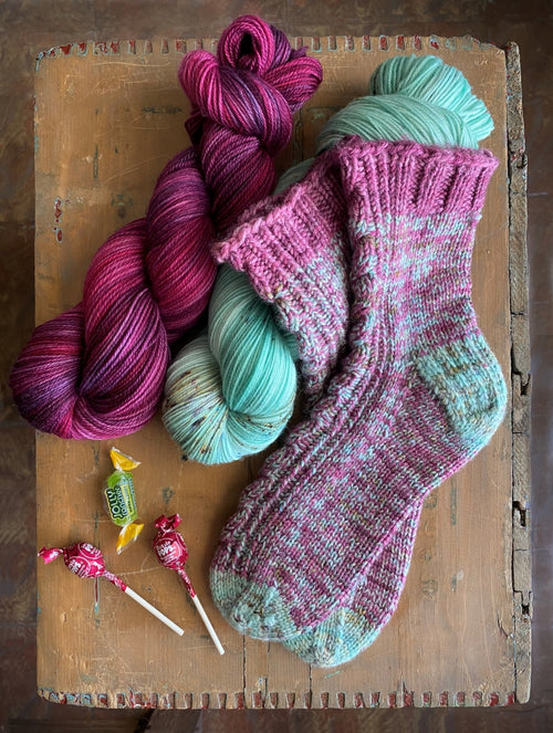 Faraway Friends Socks | Free Knitting Pattern