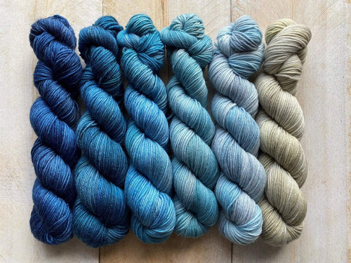 Mini Skeins of Yarn PAINTBOX gradient yarn set  HORIZON