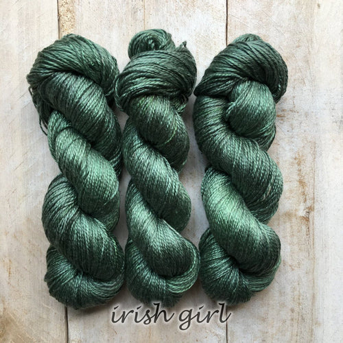 IRISH GIRL by Louise Robert Design | ALGUA MARINA hand-dyed semi-solid yarn