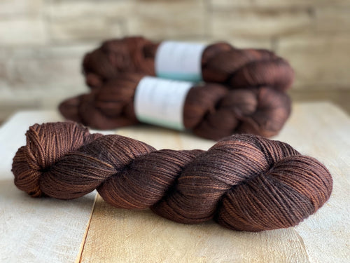JOCONDE by Louise Robert Design | SUPER SOCK hand-dyed semi-solid yarn