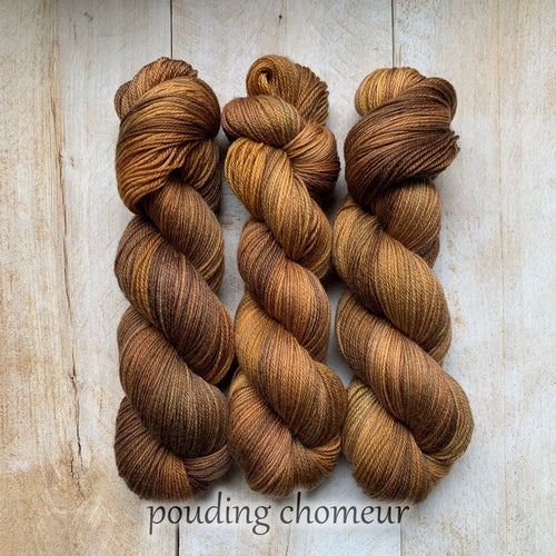 POUDING CHOMEUR by Louise Robert Design | SUPER SOCK hand-dyed semi-solid yarn
