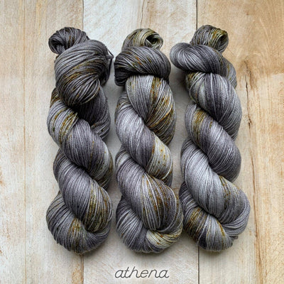 ATHENA by Louise Robert Design | SUPER SOCK hand-dyed Speckled yarn