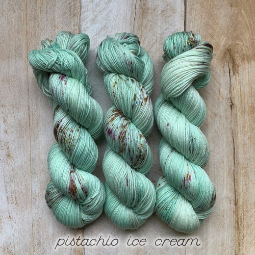 PISTACHIO ICE CREAM by Louise Robert Design | SUPER SOCK hand-dyed Speckled yarn