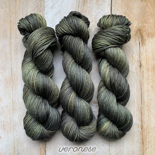 VERONESE by Louise Robert Design | DK PURE hand-dyed Variegated yarn