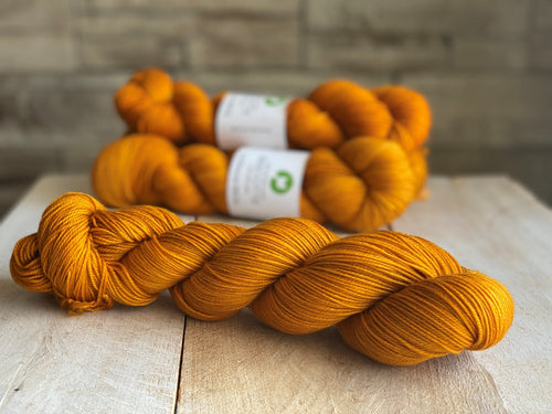 La Douce MCN Sport Weight Yarn 🐏 VITAMINE C