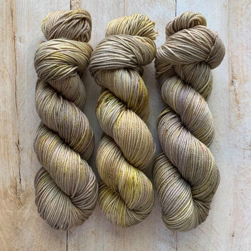 MIEL CITRON by Louise Robert Design | DK PURE hand-dyed speckled yarn