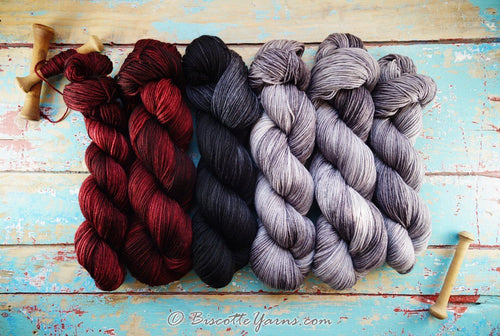 Assortment of yarn for Melie's Anastasie crocheted shawl